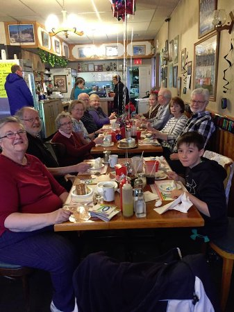 Prescott, Canada: Our group enjoying pizza, salads and ice cream.