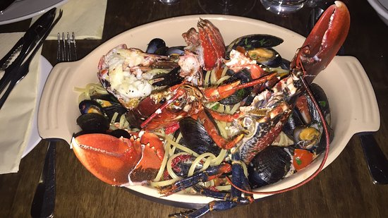 Giovannelli: Amazing whole lobster and mussels