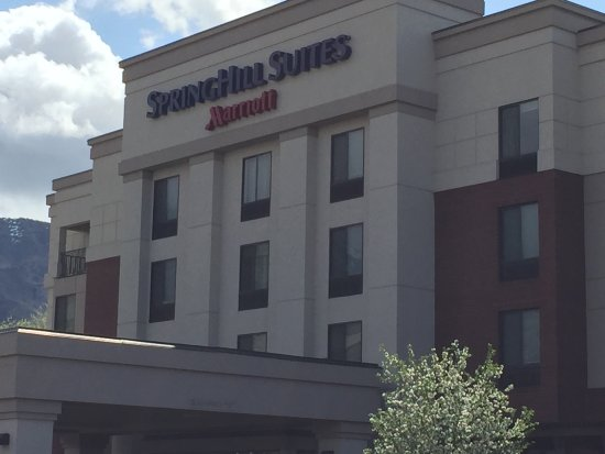 SpringHill Suites Provo: front of hotel
