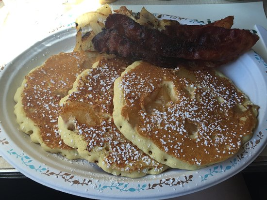 Thornton, NH: Pancakes and bacon
