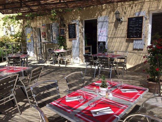 Saint-Pantaleon, France: Terrasse