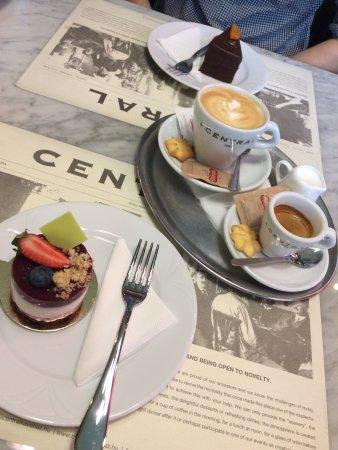 Centrál Kávéház és Étterem: photo0.jpg