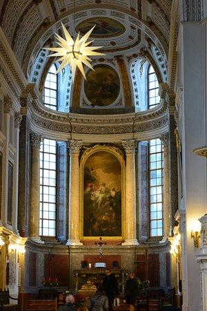 Nikolaikirche: Interior view of St. Nicholas Church