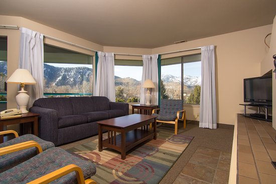 Wapato Point Resort: a beautiful view of the lake and mountains outside