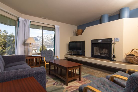 Wapato Point Resort: The wood-burning fireplace comes with cut wood