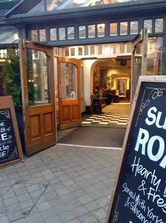 Copa Pub and Restaurant: photo5.jpg