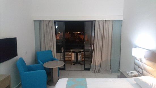 Avanti Hotel: Pictures taken on 8/04/17