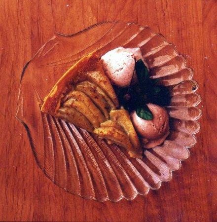 กัสตาวัส, อลาสกา: Apple Pie