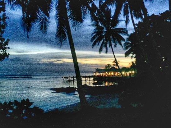 Sinalei Reef Resort & Spa: Looking across to Restaurant