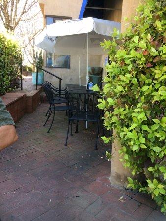 Decatur, GA: Outdoor seating