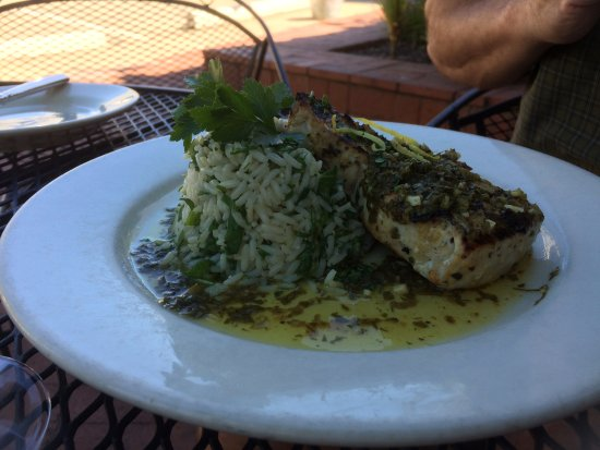 Decatur, Джорджия: Swordfish with spinach pilaf