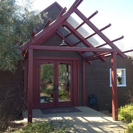 Healdsburg, CA: Truett Hurst/VML tasting room.