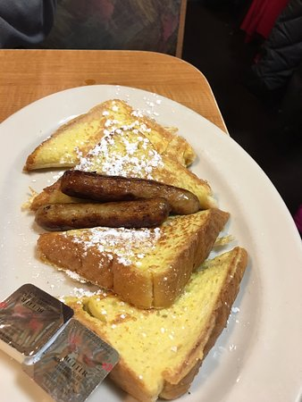 Byron Center, Мичиган: French Toast and Sausage