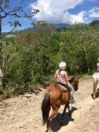 Buena Vista Lodge & Adventure: Horseback riding with beautiful views