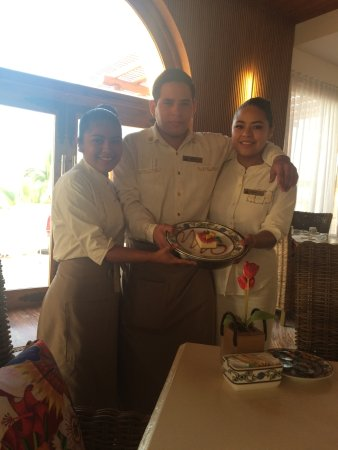 Marquis Los Cabos All-Inclusive Resort & Spa: Breakfast crew. Hardworking and always cheerful.