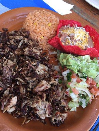 Ramona, CA: Carnitas plate is awesome!
