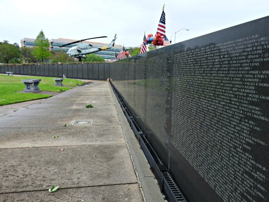 the vietnam wall The dignity memorial® vietnam wall is a traveling, three-quarter scale replica of the vietnam veterans memorial in washington, dc, standing 240 feet long and eight feet high and is inscribed with the names of more than 58,000 americans who died or are missing in vietnam.