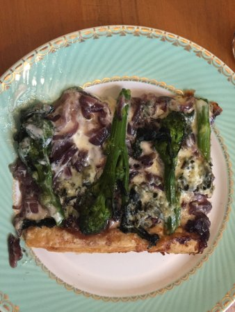 Bletchingdon, UK: Excellent vegetarian tart