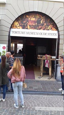 Torture Museum Oude Steen: 20170409_155504_large.jpg