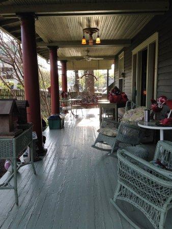 Stay-Inn-Style Bed & Breakfast: porch