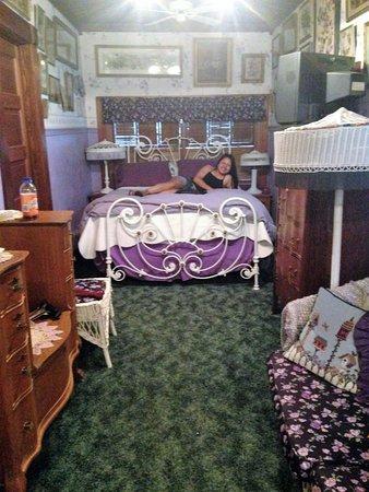 Stay-Inn-Style Bed & Breakfast: room