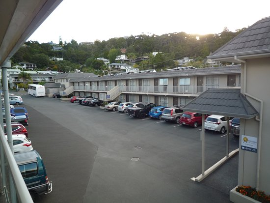 Kingsgate Hotel Autolodge Paihia: Plenty of room for vehicles.