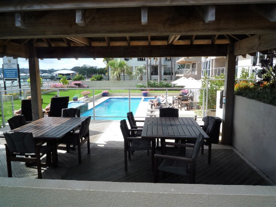 Kingsgate Hotel Autolodge Paihia: Gazebo And Outdoor Dining.