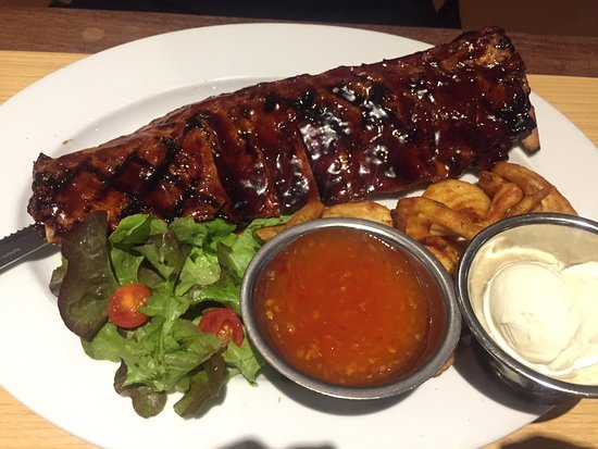 Campbelltown, Australia: Pork with ribs and chips and salad