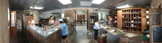 Dry Comal Creek Vineyards: photo3.jpg