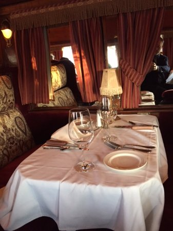 Morristown, NJ: Inside the pullman dining car at Rod's