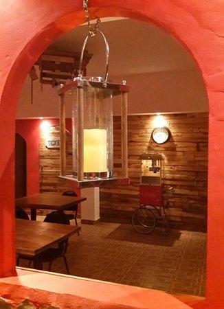 Baru-Queb-go Cinema Cafe