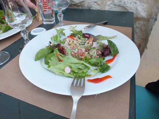 Bretenoux, Francia: salade de crabe au saumon