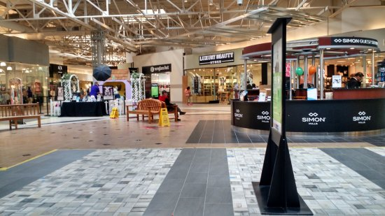 Milpitas, CA: Inside the mall