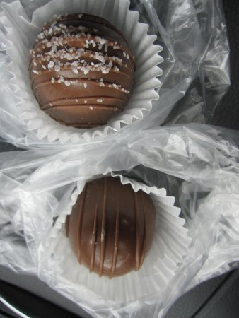 Blue Heron French Cheese Company : The chocolate Truffles
