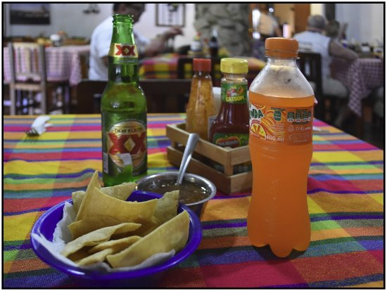 Concordia, Mexiko: Drinks and chips at El Granero