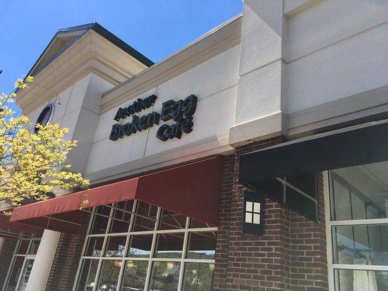Another Broken Egg Cafe: photo0.jpg