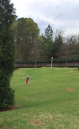 Vulcan Park and Museum: running on the lawn