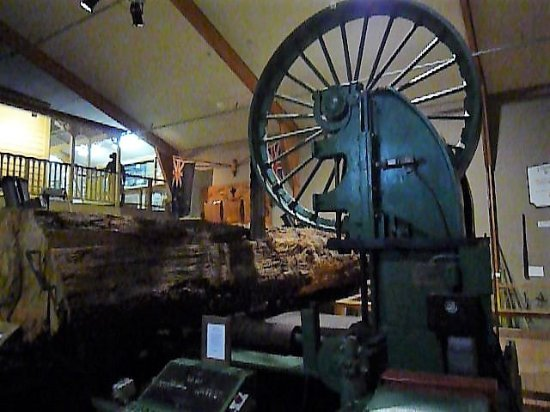 Matakohe, نيوزيلندا: Machines were also used.