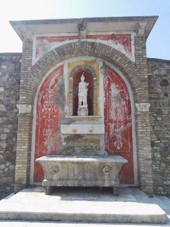 Cantina Borgo la Caccia: scorcio d'esterno