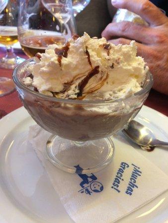 Astún, España: Mousse au chocolat