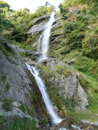 Pelling, India: Tshangi waterfall