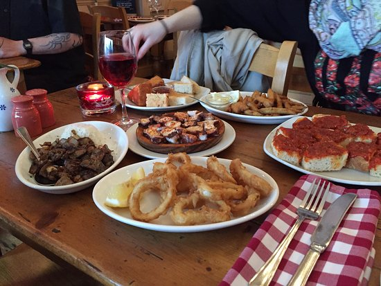 Los Molinos: A selection of dishes