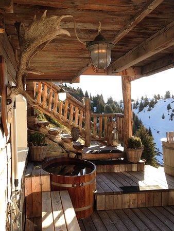 Blatten, Switzerland: Outdoor Bereich von Spa mit Sauna