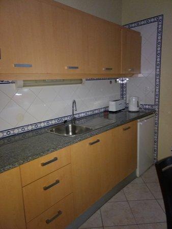 Alagoamar Aparthotel: Kitchenette