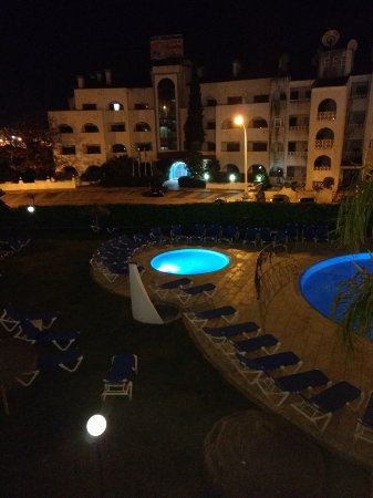 Alagoamar Aparthotel : View of pool area from balcony