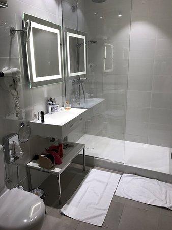 picture of hotel 64 nice nice tripadvisor. Black Bedroom Furniture Sets. Home Design Ideas