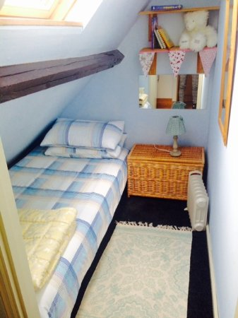 Dorney Self Catering Apartments : The quriky and quaint single bedroom in Gardener's Bothy