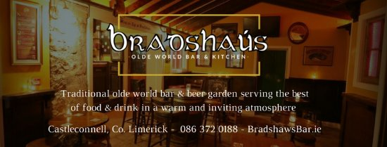 Castleconnell, Ierland: Traditional olde world bar and kitchen