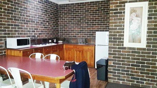 Blackheath, Australia: kitchenette