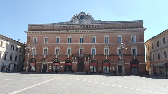 Monumento a Giovanni Battista Pergolesi : 20170408_134119_large.jpg